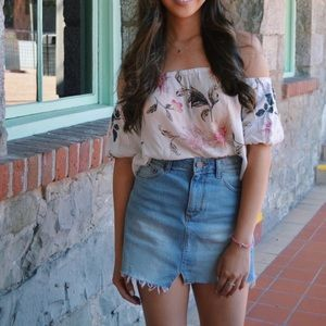 URBAN OUTFITTERS FLORAL OFF THE SHOULDER TOP